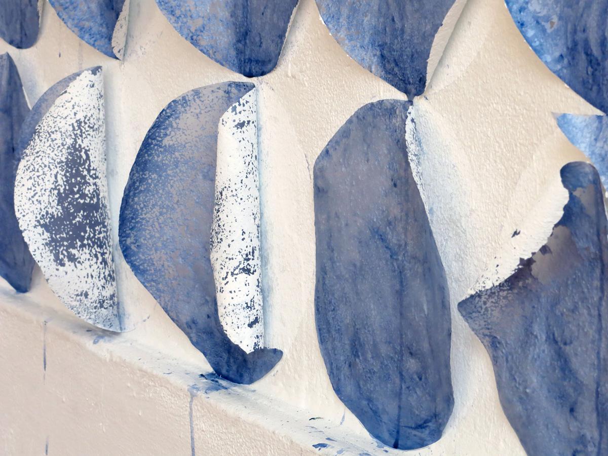 Franziska Baumgartner, Installation mit eingefärbtem Reispapier, Künstlerhaus S11 Solothurn