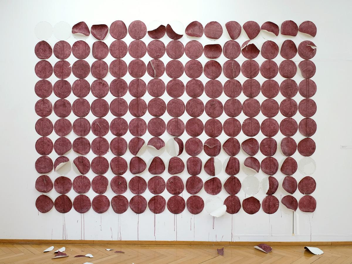 Franziska Baumgartner, Installation mit eingefärbtem Reispapier, Kunstmuseum Olten